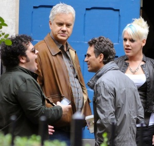 Exclusive - Pink on Set 'Thanks For Sharing'